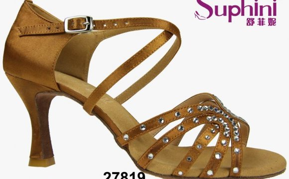 Women low heel party shoes
